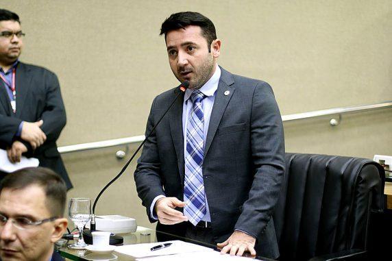 Carlinhos Bessa destaca visita do secretário do sistema prisional