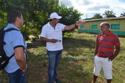 Prefeito anuncia construção de mais uma escola na zona rural de Parintins