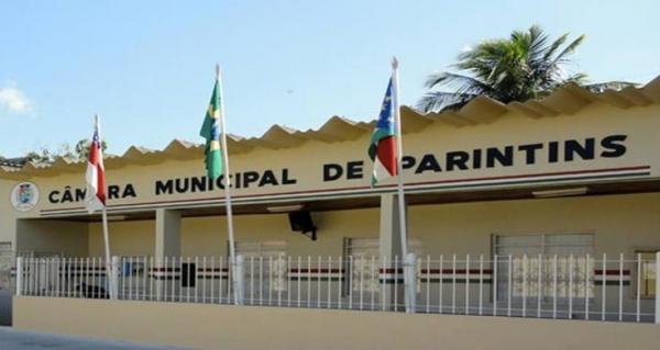 Vereadores aumentam o próprio salário em mais de R$ 600 reais e abrem polêmica jurídica