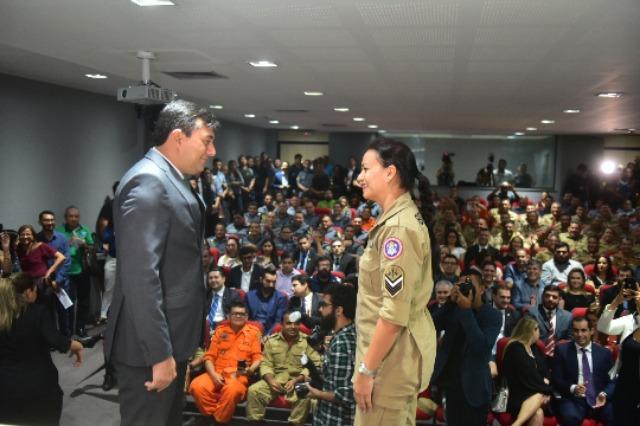 Governador Wilson Lima assina promoção de 81 bombeiros militares
