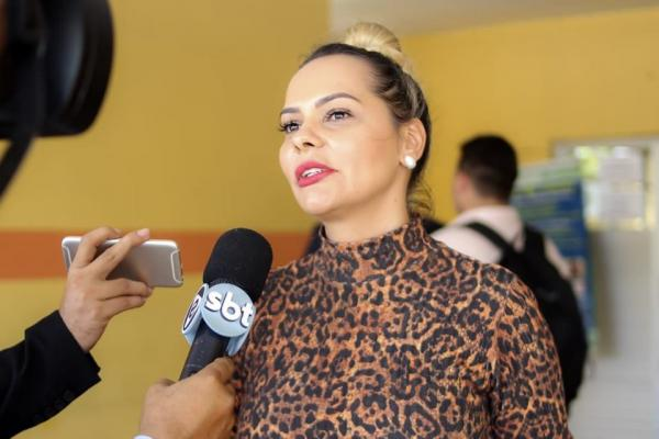 Nêga Alencar diz que Parintins perde recursos do muro de arrimo por incompetência do prefeito