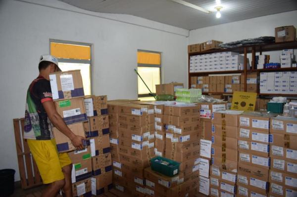 Prefeitura de Parintins recebe mais uma grande de remessa de medicamentos