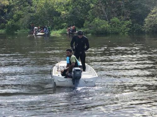 Corpo de criança é encontrado no rio e chega a Nhamundá