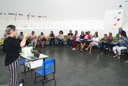 Prefeitura oferece capacitação a agentes de saúde