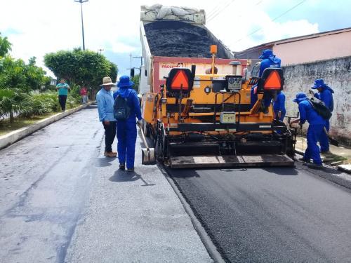 Seinfra executa obras de recuperação do sistema viário de Maués