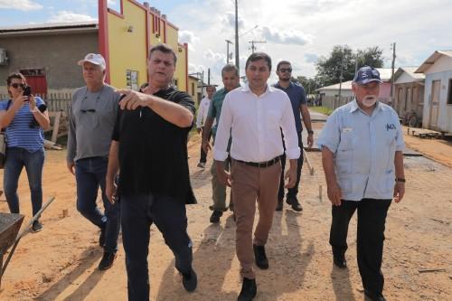 Wilson Lima visita área de exploração de gás natural em Tefé