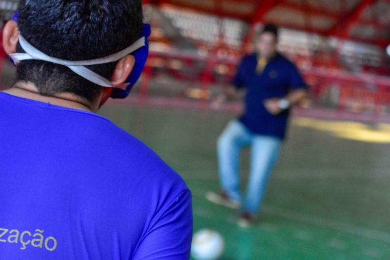 Sejel garante material para atletas do futebol de cinco da Associação de Deficientes Visuais do Amazonas
