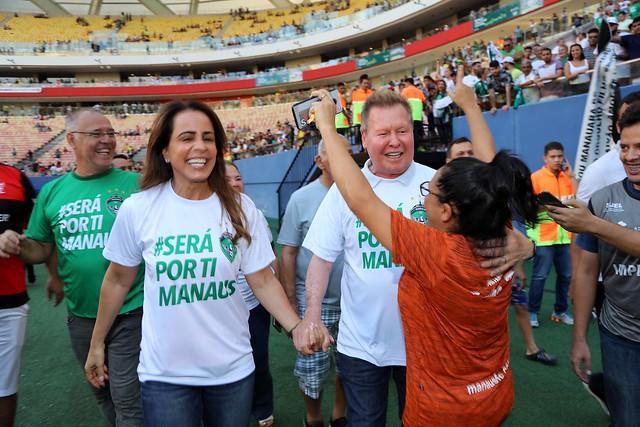 Prefeito Arthur prestigia vitória do Manaus FC e conquista da vaga na série C do Brasileiro