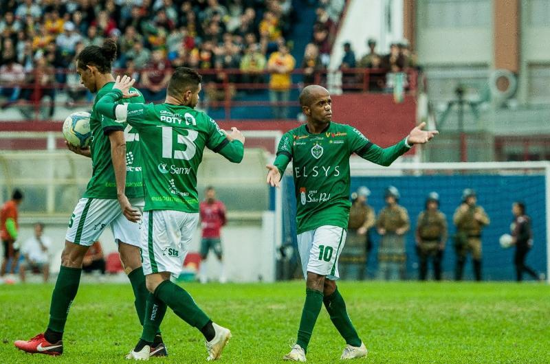 Manaus empata com Brusque 2x2 de Santa Catarina jogo de volta é na Capital Amazonense