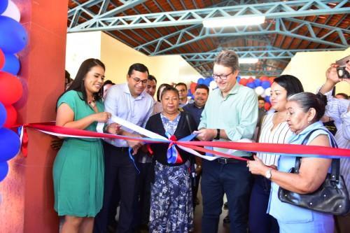 Governador Wilson inaugura escola no bairro Tancredo Neves, zona leste