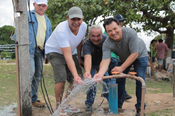 Bi Garcia vistoria implantação do projeto Água no Jirau na comunidade São Pedro do Paraíso