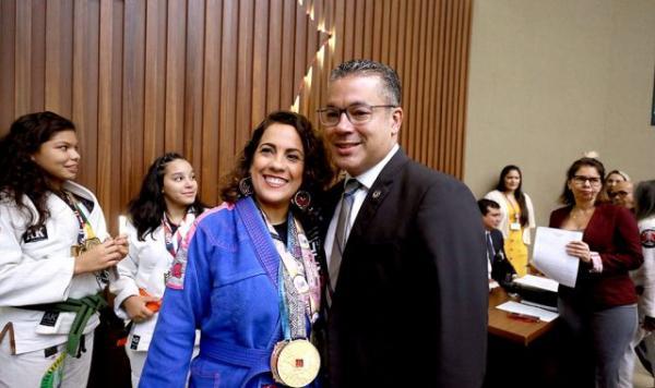 Apresentadora da TV Aleam participa de competição de Jiu-jitsu em São Paulo