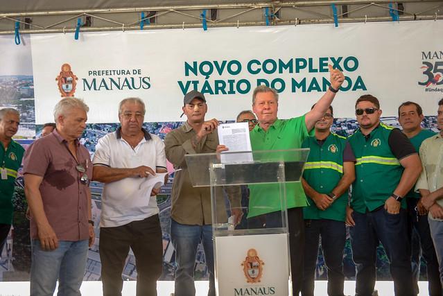 Prefeito Arthur  lança obra do novo complexo viário do Manoa