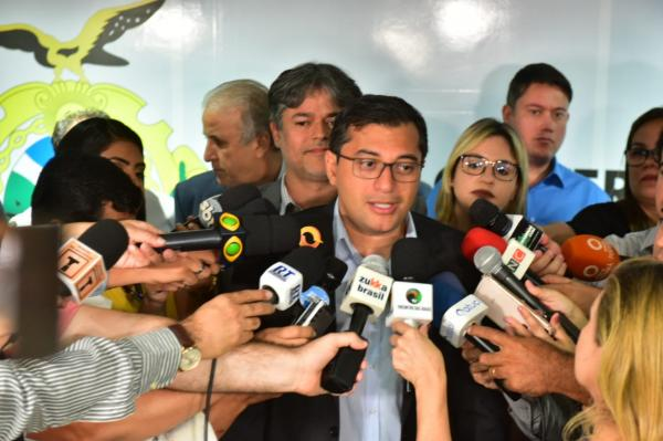 Governador Wilson Lima entrega equipamentos para rede estadual de saúde e anuncia novo hospital em Manacapuru