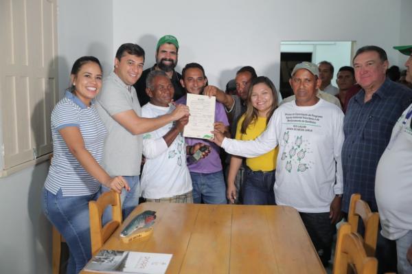 Wilson Lima visita unidade de conservação em Carauari e autoriza novo manejo de quelônio na região