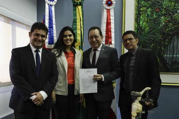 TJAM firma acordo de cooperação técnica com Prefeitura de Barreirinha