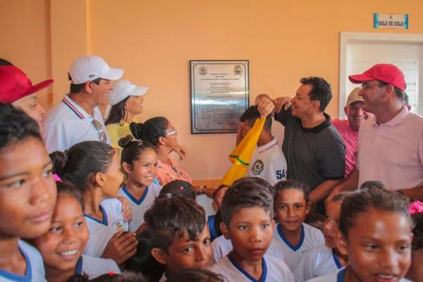 Prefeito Bi inaugurou mais 3 escolas na Região do Mamurú
