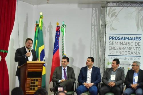 Governador em exercício participa de seminário para apresentar resultados do ProsaiMaués