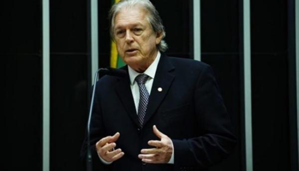 Bolsonaro já está afastado do PSL, diz Bivar: ´Está esquecido´