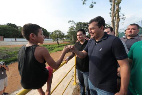 Wilson Lima inaugura ProsaiMaués, que transforma o município referência em cobertura e tratamento de esgoto