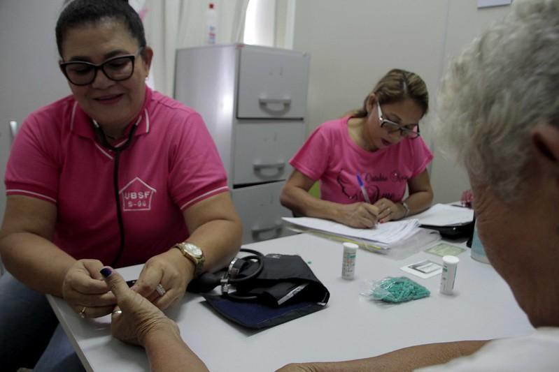 Outubro Rosa faz mais de 10 mil exames preventivos em Manaus