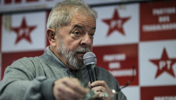 Lula precisa ser solto imediatamente após decisão do STF, diz jurista
