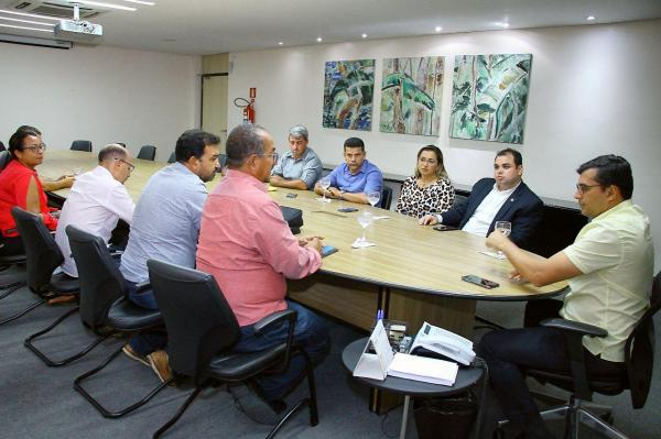 Roberto Cidade une oposição e situação e consegue melhorias para Manicoré