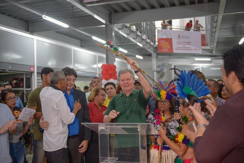 Prefeito Arthur inaugura maior espaço de compra popular do Centro Histórico de Manaus