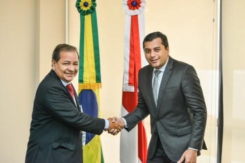 Wilson Lima empossa Otávio Gomes como controlador-geral do Estado
