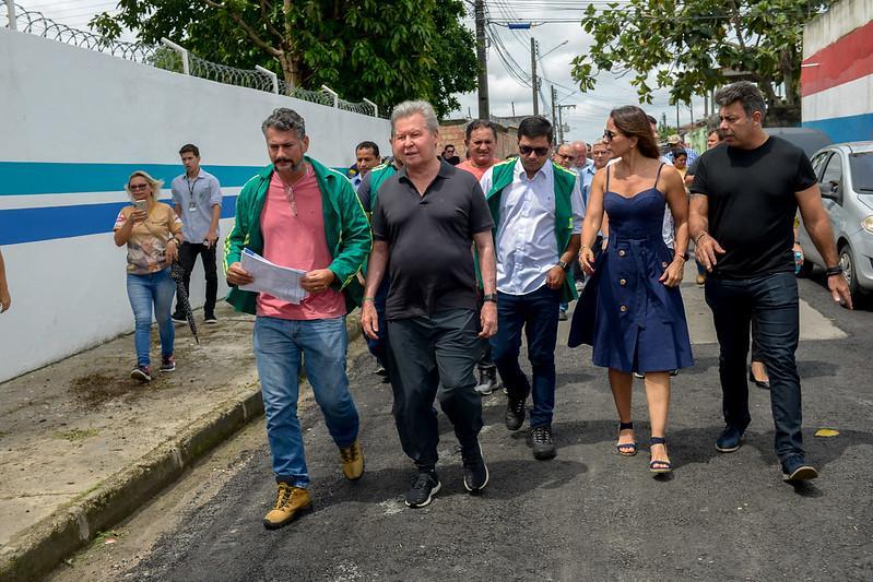 Prefeito Arthur Neto vistoria ampliação de LED no Colônia Santo Antônio