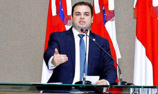 Roberto Cidade pede união pela retomada de voos no interior do AM