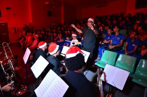 Liceu de Artes e Ofícios Cláudio Santoro leva espetáculos natalinos a escolas do Amazonas