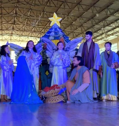 Cerca de 700 estudantes de Iranduba assistem a espetáculo natalino