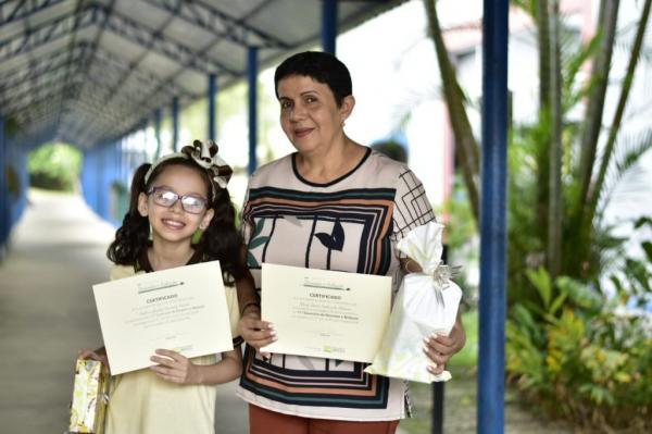 Estudante de Parintins é premiada em disputa nacional de desenho e redação