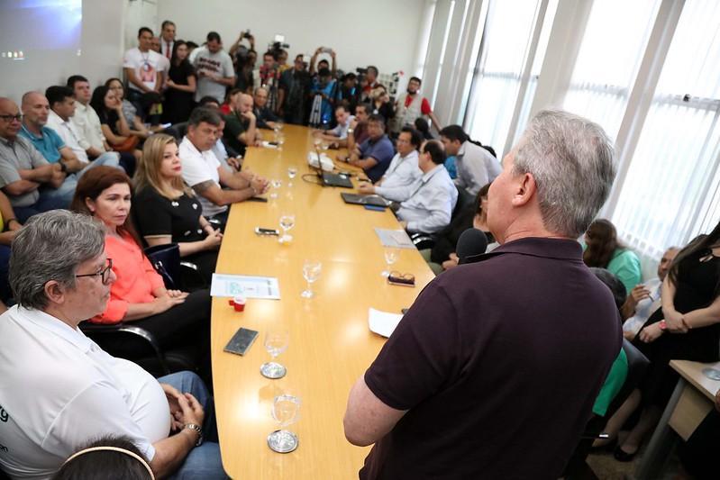 Prefeito Arthur lança campanha 'Nota Premiada Manaus