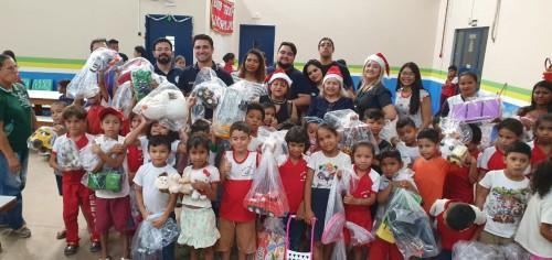 SSP-AM faz entrega de brinquedos a crianças no município de Iranduba