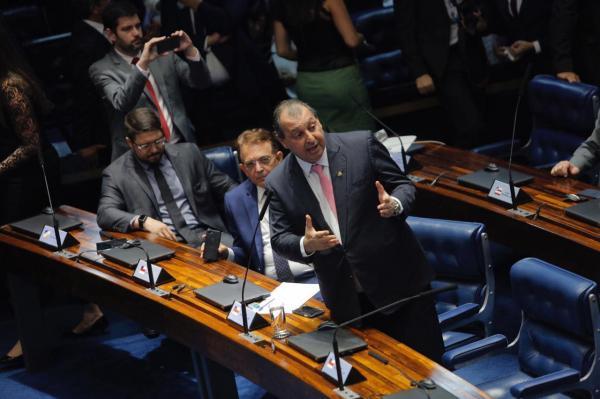 Senador Omar Aziz comemora a união para aprovar nova Lei de Informática que beneficia o Amazonas