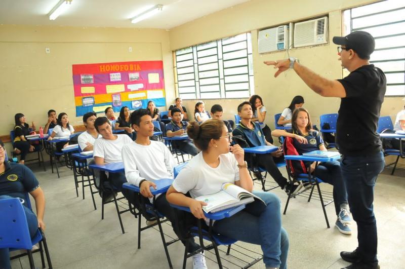 Processo Seletivo para contratação de 2,8 mil professores pelo Governo do Amazonas