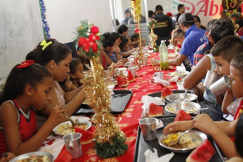 Projeto Almoço Solidário é realizado na Cozinha Comunitária do Santo Agostinho
