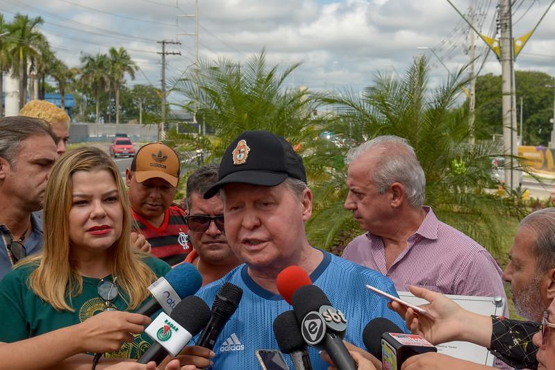 Prefeito Arthur Neto inaugura rotatória da Torquato com iniciativa privada e vistoria obras no Shangrilá