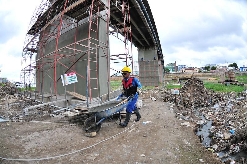 Prefeitura de Manaus  intensifica trabalhos na ponte do Educandos e obra tem 20% de conclusão