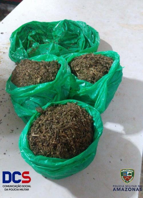 Polícia Militar por meio da 10° CIPM apreende aproximadamente 1kg de maconha em Maués