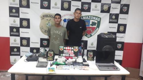 Dupla presa  com mais de 1 quilo de droga no Itaúna II