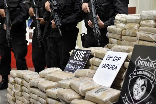 Polícia Civil apreende meia tonelada de drogas, em Japurá