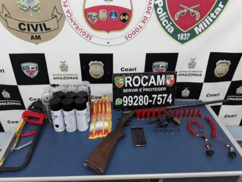 Polícia Militar recupera lancha roubada que seria utilizada por 'piratas de rio' no Solimões