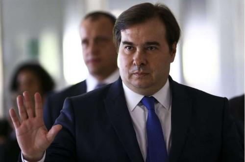 Maia pede demissão imediata do secretário da Cultura por citar nazista