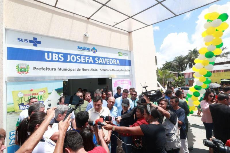 Em Novo Airão, Wilson Lima inaugura UBS concluída com recursos do FTI e entrega equipamentos para laboratório da Unidade Hospitalar