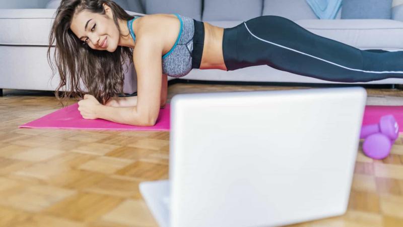 Seis dicas para praticar exercício físico em casa