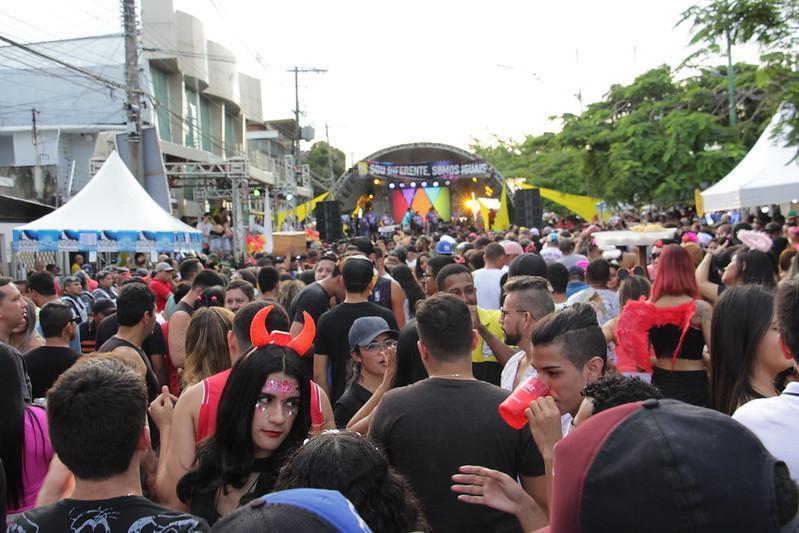 Mais de cem bandas e blocos de rua recebem apoio da prefeitura Manaus