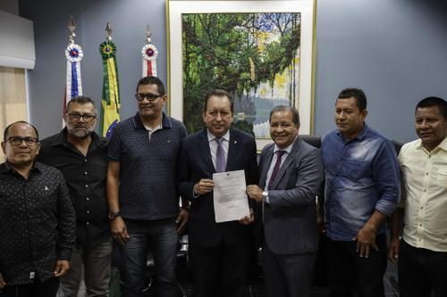 Vereadores de Tonantins pedem do presidente do TJAM Yedo Simões implantação da Comarca Judicial